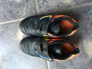 Boys size 13 soccer shoes