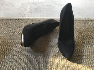 Aldo suede black pumps - excellent condition