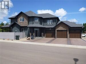 Quiet New Area Two Storey w/ Triple Garage