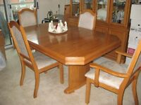 beautiful light oak dining room table and chairs