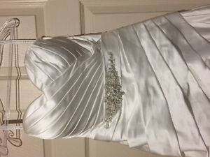 Wedding Gown, new with taggs