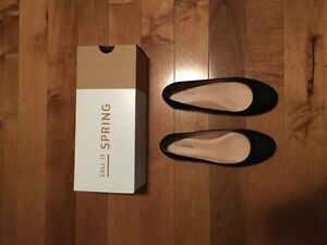 Brand new Spring flats, size 7