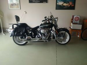2005 SOFTAIL SPRINGER CLASSIC EFI WITH ONLY 17000 KM
