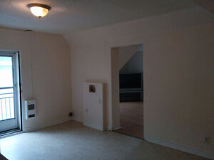 Hull downtown 2 bedrooms apartment, Great Location!