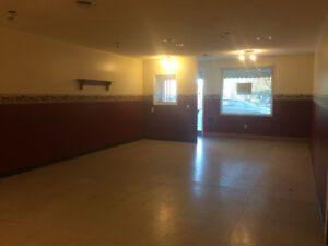 GREAT 1000sqft SPACE AVAILABLE