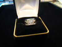 .18ct Mens 10k Gold & Diamond Ring **SALE** $300**