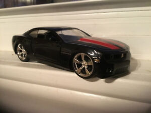 Looking For 2010 Chevrolet Camaro Coupe (2 door) OR Newer