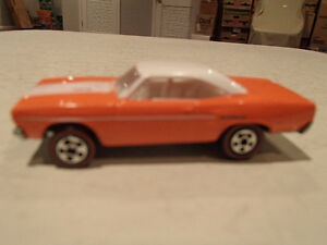 LOOSE HOT WHEELS 1970 PLYMOUTH ROAD RUNNER REDLINE TIRES 1/64 RA