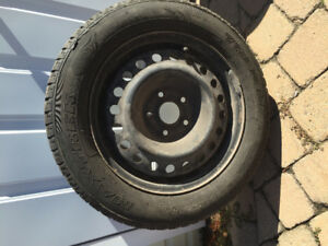 4 Used Winter Tires (Maxtrek/Continental) 205/60R16