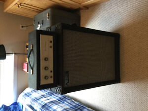 Silvertone  Bass 35 solid state amp