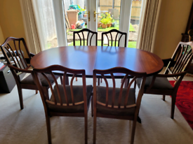 William Lawrence Collection. Mahogany dining table with 6 chairs.