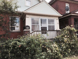 Furnished Room available for Rent near McMaster University
