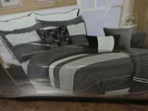 King Size Comforter Set brand new - $120