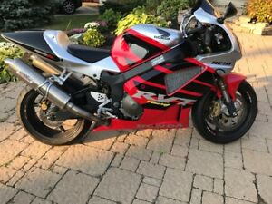 Honda SP1 RC51 2001 1000cc Superbike