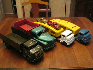 WANT TO BUY, WILL PAY CASH FOR YOUR OLD TOYS London Ontario image 4