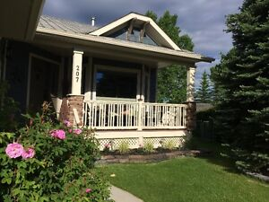 Beautiful Renovated Home On the Cochrane Golf Course