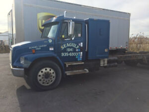 1999 Freightliner Med Conv FL80 Cab and Chassis