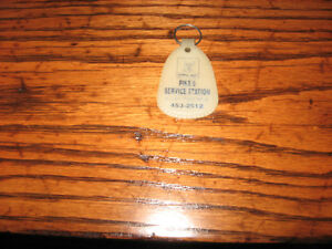 1950's AUTO KEY RING FROM NEWFOUNDLAND