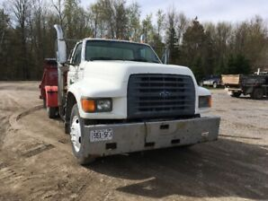 1998 Ford F-800 Other