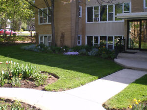 2 BDRM. APT. IN LOW RISE - $1,035 - AVAIL. SEPTEMBER 1