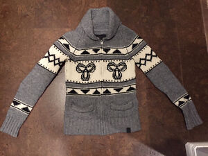 Tna (Aritzia) Sea -To -Sky Sweater (sold out in stores)