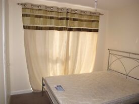 Double room for rent in a 3 bedrooms brand new modern house