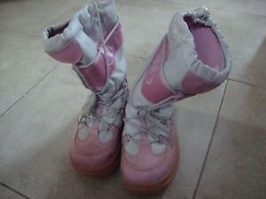 Cougar Moonwalker Y Young Ladies Winter Boots - Size 2M
