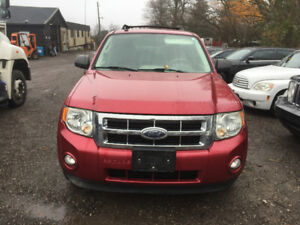 RED 2009 FORD ESCAPE FOR PARTS