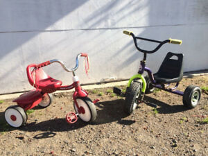 2x tricycles 30$