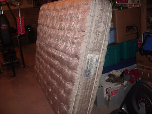 queen mattress (2nd price reduction)