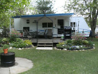 2003 Prowler Lynx 29' Travel Trailer