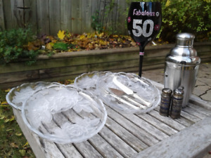 Decorative food/drink service items (sold as lot)