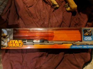 Star wars bbq tongs and salt and pepper shakers