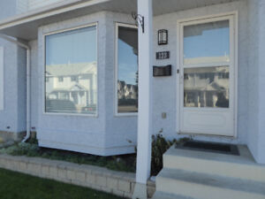 Beautiful Town House - Stony Plain, AB