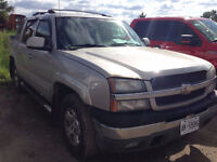 2005 Chevrolet Avalanche 4X4 **LOADED**