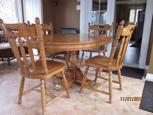 table de cuisine avec rallonge négociable Lac-Saint-Jean Saguenay-Lac-Saint-Jean image 3