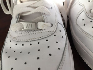 Air Force 1 Sneakers - Size 7