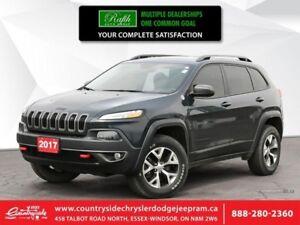 2017 Jeep Cherokee Trailhawk  - Bluetooth