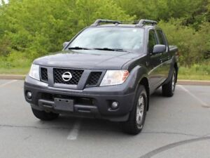 2012 NISSAN FRONTIER PRO-4X with Sunroof!