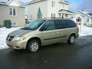2005 Dodge Grand Caravan Stow and go Familiale