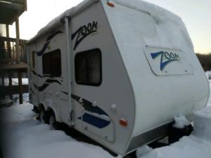 2008 Zoom by aerolite 18 ft tandem travel trailer