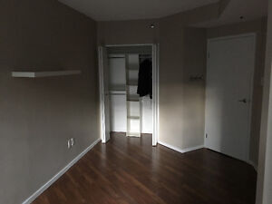 Room for rent - lower water st. w gym and pool