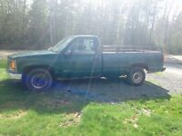 1998 GMC C/K 1500 Pickup Truck 400obo parts or repair