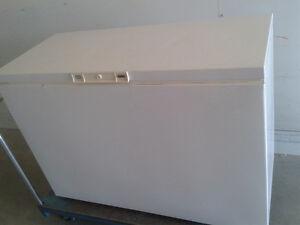 "Congélateur kenmore freezer  50"" × 22"""