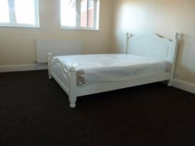 Great Studio and Single flats - NEAR CANARY WHARF - 92£