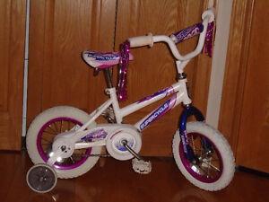 Plusieurs Bicyclettes de qualitée 12 pouce, ideal pour cadeaux Saint-Hyacinthe Québec image 6
