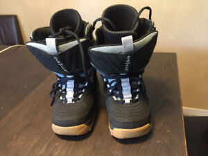 Size 4 Snowboard boots