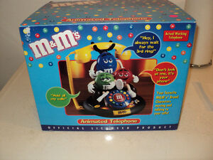 ANIMATED TALKING M&M PHONE! LIKE NEW IN BOX!~~ WORKING PHONE!!