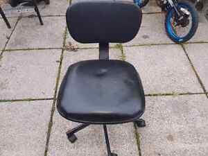 Desk chair for free