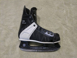 CCM Tacks Kid's Skates size  12.5